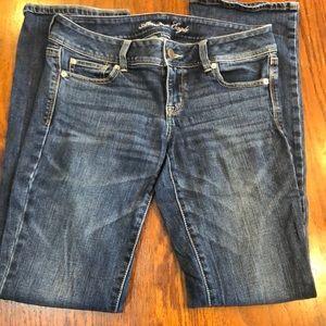 4 Long American Eagle slim boot cut jeans
